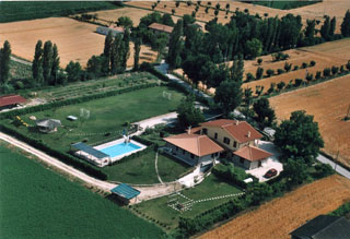 Farmhouse La Mora